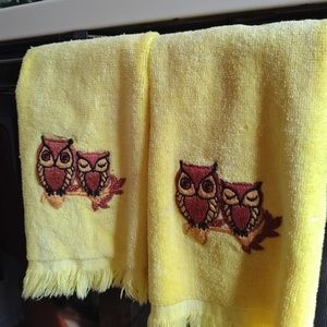 Mid Century Martex Yellow Owl Hand Towels